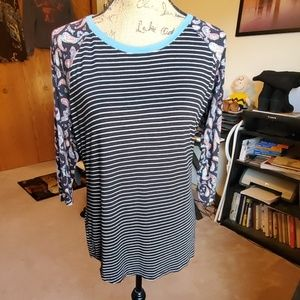 Maurices 24/7 knit top size Large